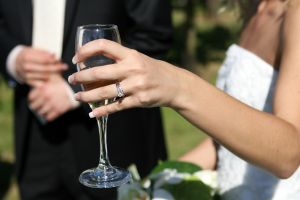 wine_and_bride